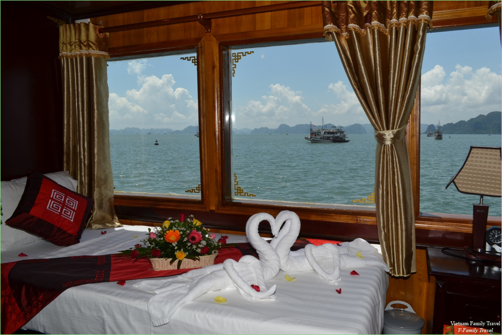 2 DAYS 1 NIGHT HALONG CRUISE ON VSPIRIT CRUISES