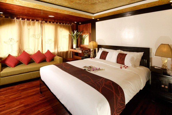 2 DAYS 1 NIGHT HALONG CRUISE ON VALENTINE CRUISE