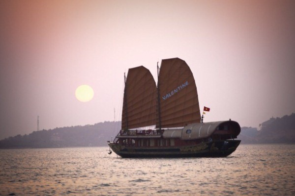 3 DAYS 2 NIGHTS HALONG CRUISE ON VALENTINE CRUISE